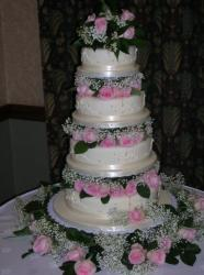 4 Tier round with roses